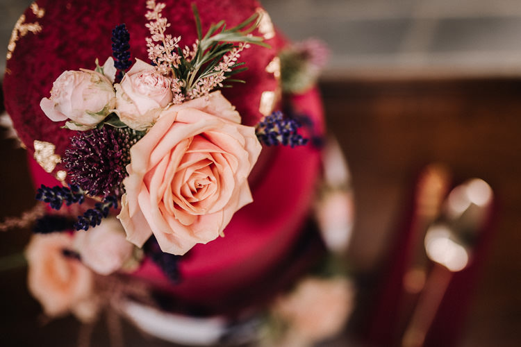 Floral Cake Topper Flowers Luxe Rustic Autumn Berry Wedding http://www.oobaloosphotography.co.uk/