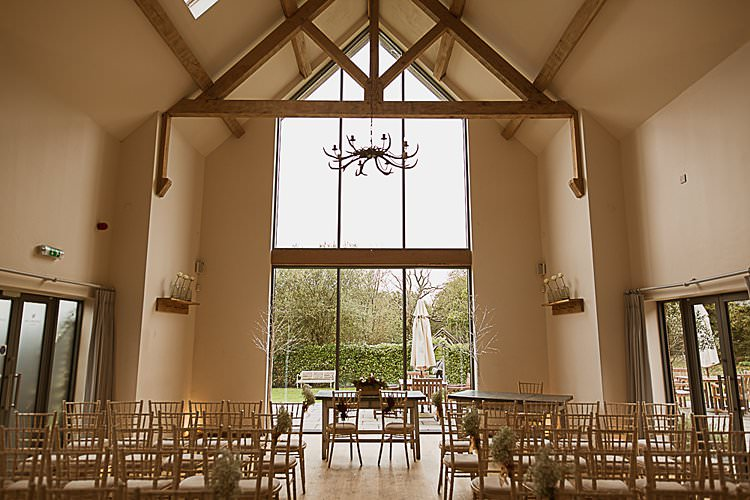 Millbridge Court Beautiful Vibrant Dark Red Autumn Wedding http://thespringles.com/