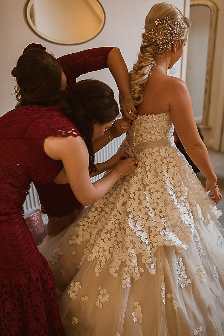 Petal Tulle Cake Bride Bridal Gown Ian Stuart Beautiful Vibrant Dark Red Autumn Wedding http://thespringles.com/