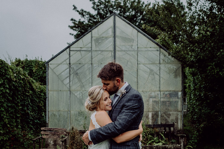 Stylish Rainy Festival Wedding http://albatrossandmariner.co.uk/