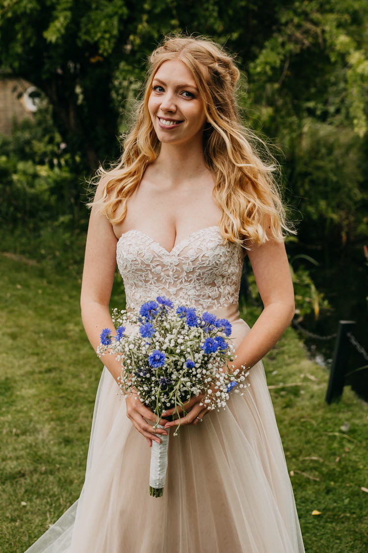 Bride Sweetheart Rose Gold Blush Watters Dress Bouquet Gypsophila | Rustic Relaxed Cornflower Blue Barn Wedding http://www.peterhugophotography.com/
