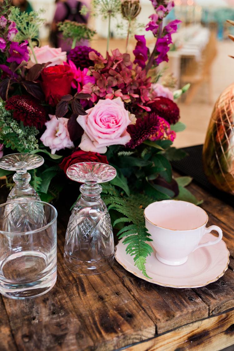 Red Roses Pink Hydrangea Flowers Decor Outdoorsy Late Summer Marquee Wedding Ideas http://www.esmefletcher.com/