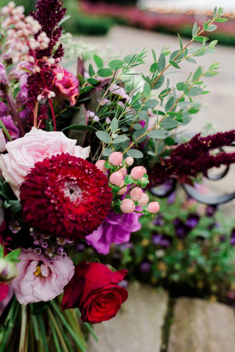 Red Pink Flowers Bouquet Outdoorsy Late Summer Marquee Wedding Ideas http://www.esmefletcher.com/