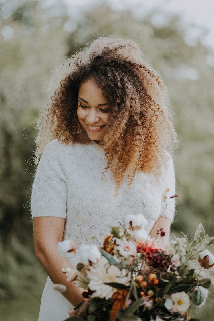 Bride Hair Make Up Natural Pretty Banquets Bonfires Autumn Wedding Ideas https://lolarosephotography.com/