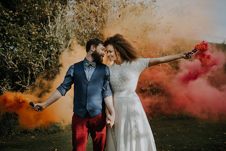 Smoke Bomb Bride Groom Banquets Bonfires Autumn Wedding Ideas https://lolarosephotography.com/