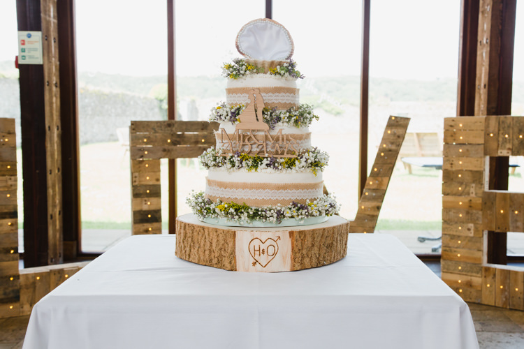 LOVE Giant Letters Pallet Wood Light Cake Hessian Wood Slice Gypsophila Tiered Table Wildflower Relaxed Fun Beach DIY Wedding http://www.michellehuggleston.com/