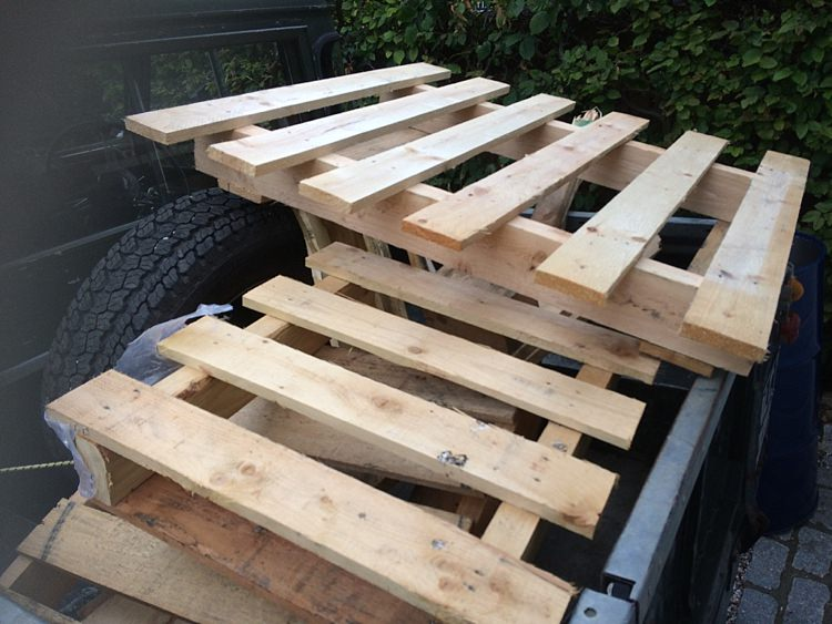 Wood Pallet Wedding DIY Blog