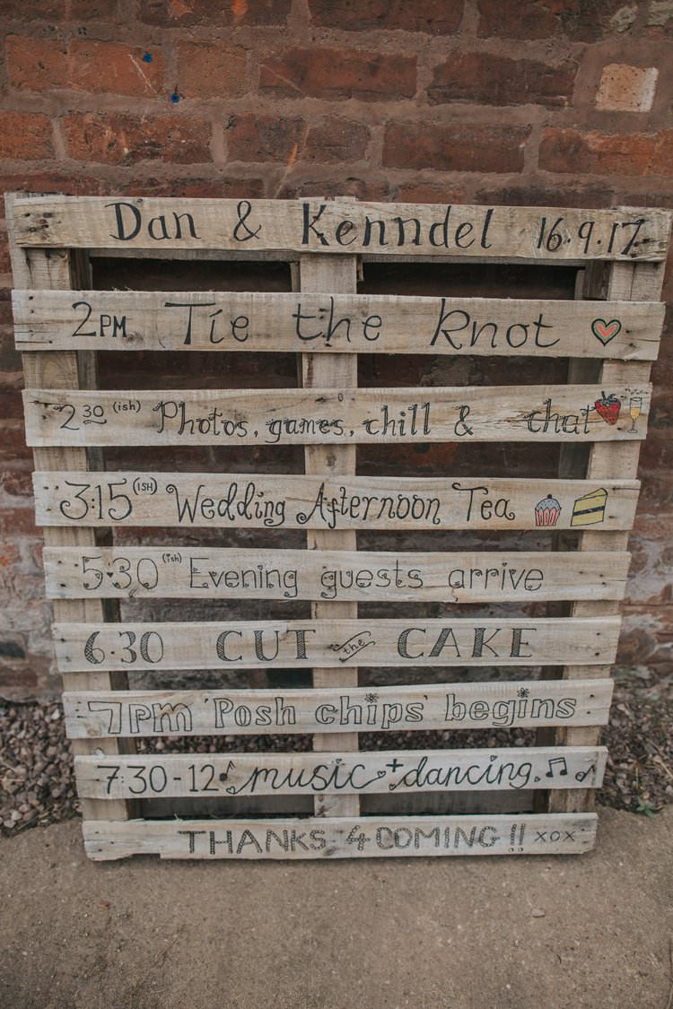 Wooden Pallet Sign Painted Whimsical Green Copper Rustic DIY Wedding http://www.brookrosephotography.co.uk/