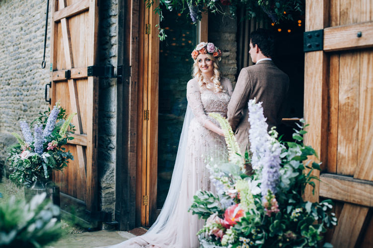 Flowery Bohemian Secret Garden Wedding https://caseyavenue.co.uk/