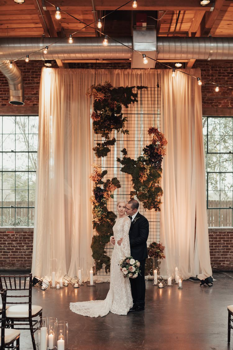 Modern Stylish Chic Geometric Ceremony Installation Backdrop Moss Candles | Urban Industrial Luxe Wedding http://hellencophotos.com/