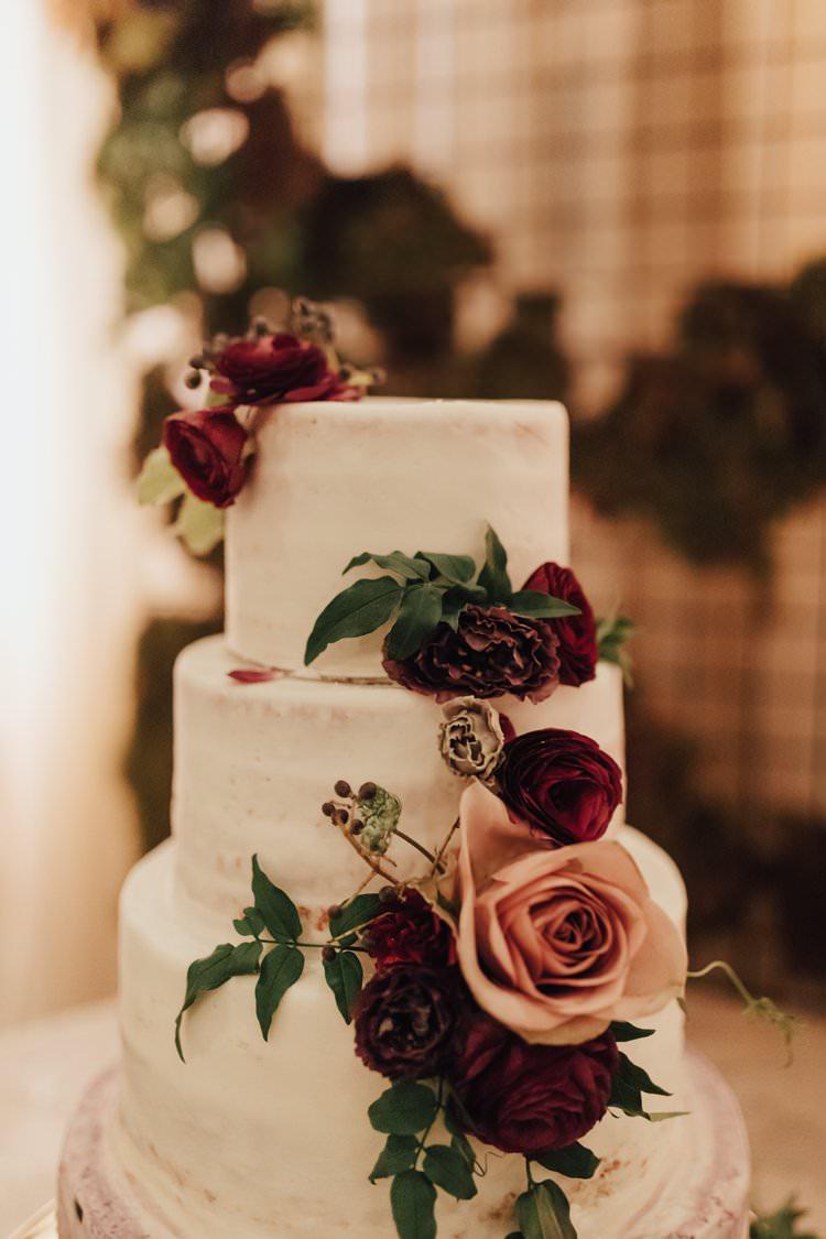 Modern Stylish Minimalist Chic Refined Decor Geometric Flower Cake | Urban Industrial Luxe Wedding http://hellencophotos.com/
