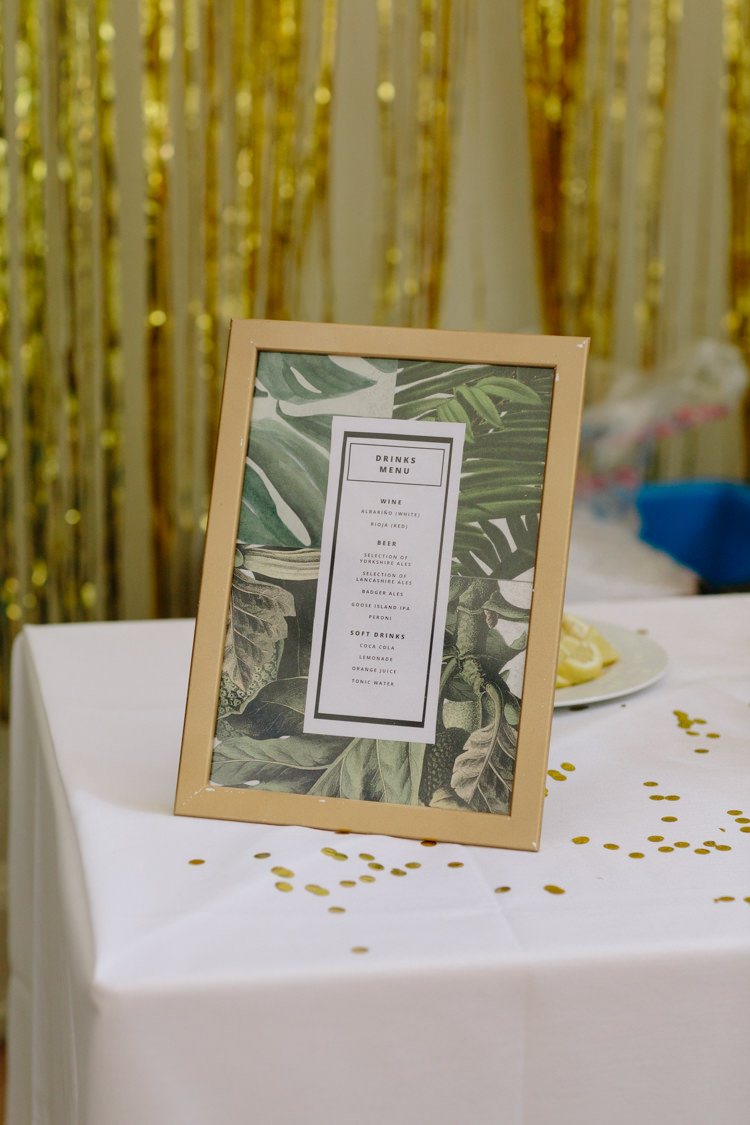 Gold Tropical Botanical Wallpaper Design Drinks Menu Glitter Frame | Modern Tropical Gold Urban Wedding https://www.christinewehrmeier.com/