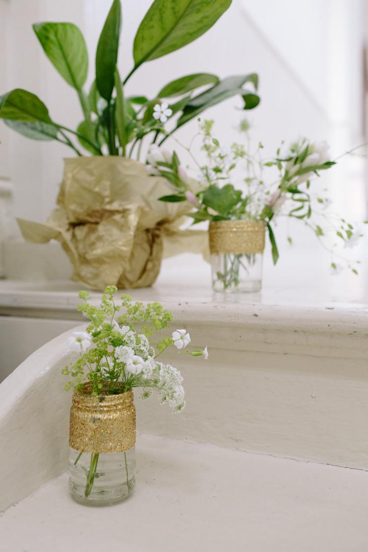 DIY Jar Wedding Decor Gold White Green Tropical Minimalist Style | Modern Tropical Gold Urban Wedding https://www.christinewehrmeier.com/