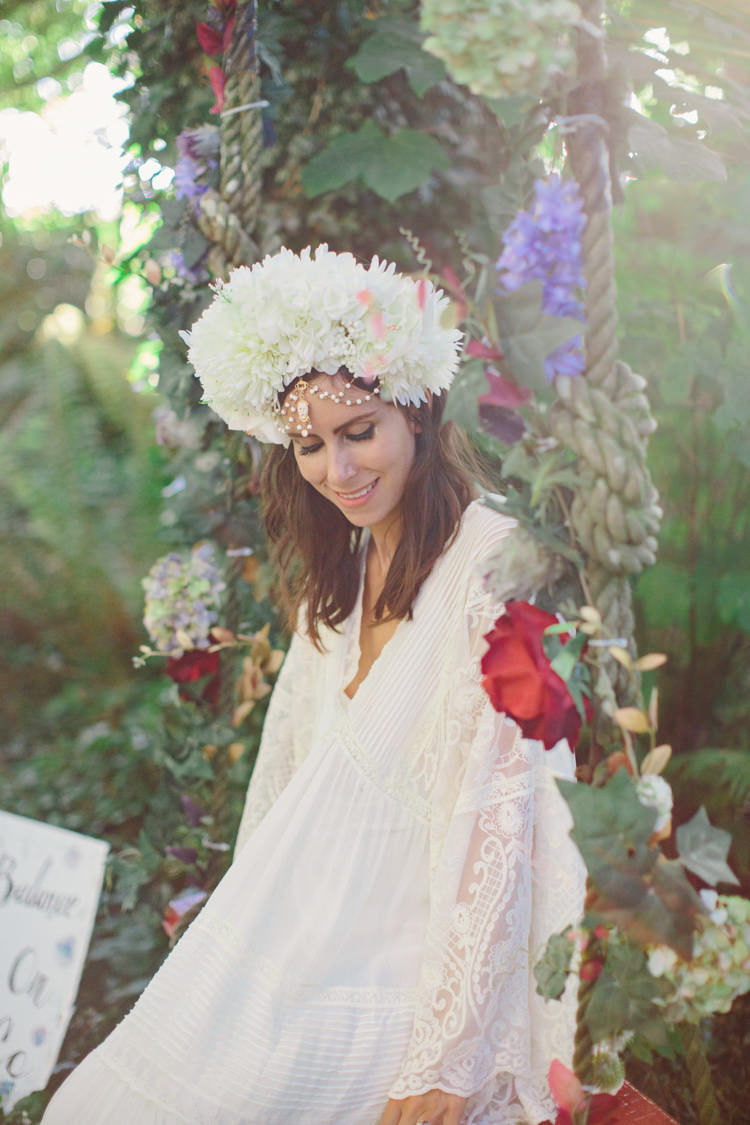Vintage Dress Bride Bridal Gown Headdress Retro 70s Bohemian Summer Dream Wedding http://whitecatstudio.ie/