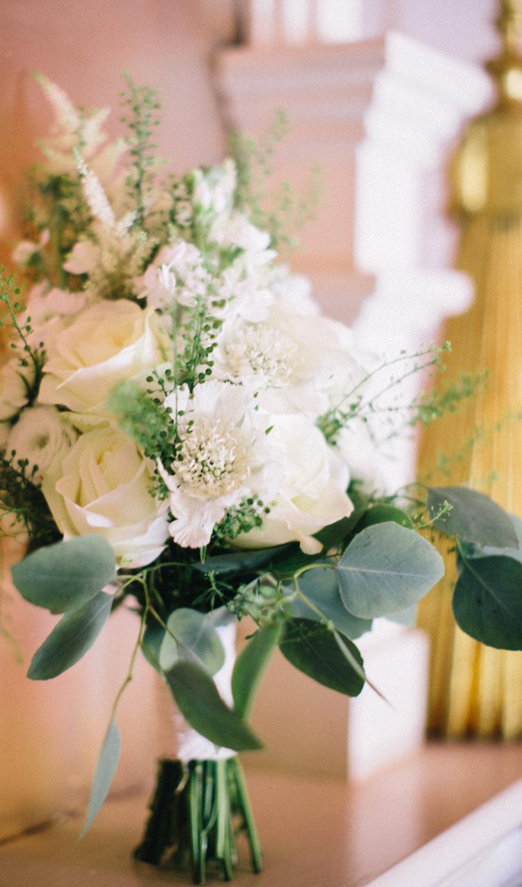 White Bouquet Flowers Rose Eucalyptus Retro 70s Bohemian Summer Dream Wedding http://whitecatstudio.ie/