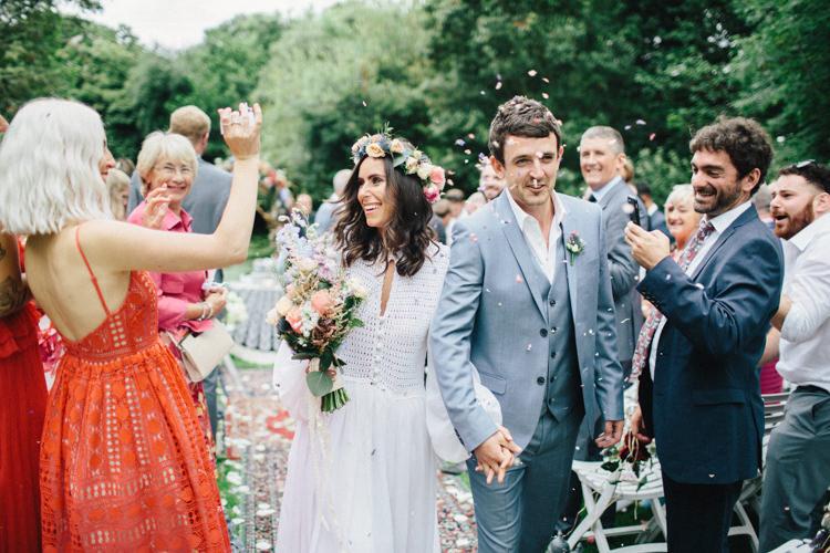 Confetti Throw Retro 70s Bohemian Summer Dream Wedding http://whitecatstudio.ie/