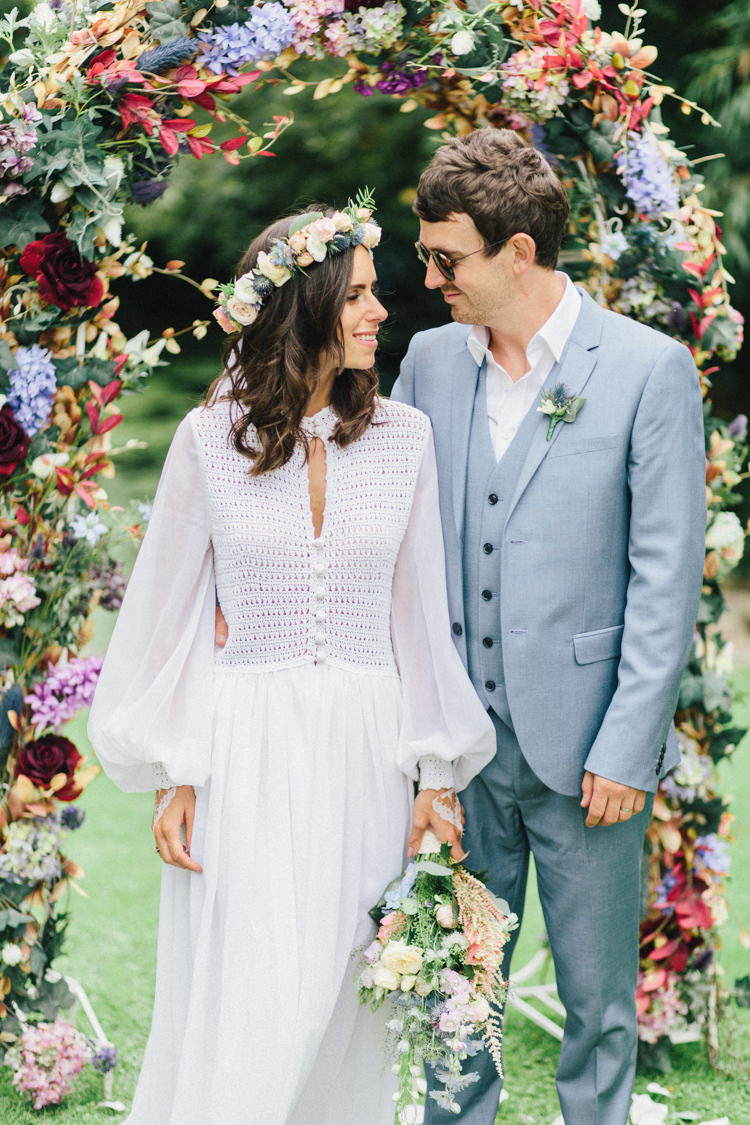 Retro 70s Bohemian Summer Dream Wedding http://whitecatstudio.ie/