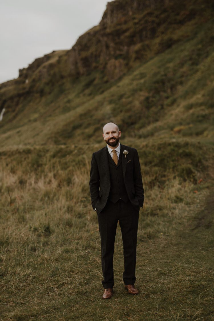 Groom Boutonniere Buttonhole Gypsophila Field Outdoor Destination Elopement | Intimate Adventurous Emotional Iceland Wedding http://www.thecurries.co/