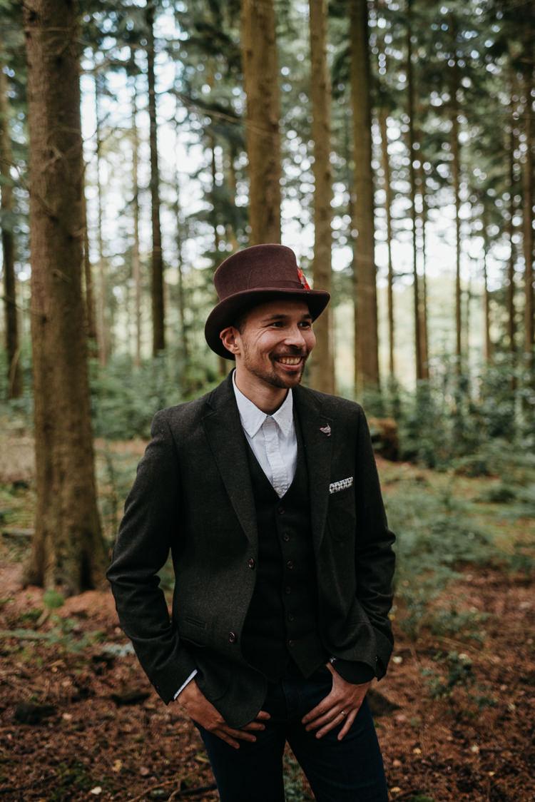 White Stuff Groom No Tie Waistcoat Three Piece Suit Top Hat Tweed Folky Woodland Adventure Wedding https://elainewilliamsphoto.com/