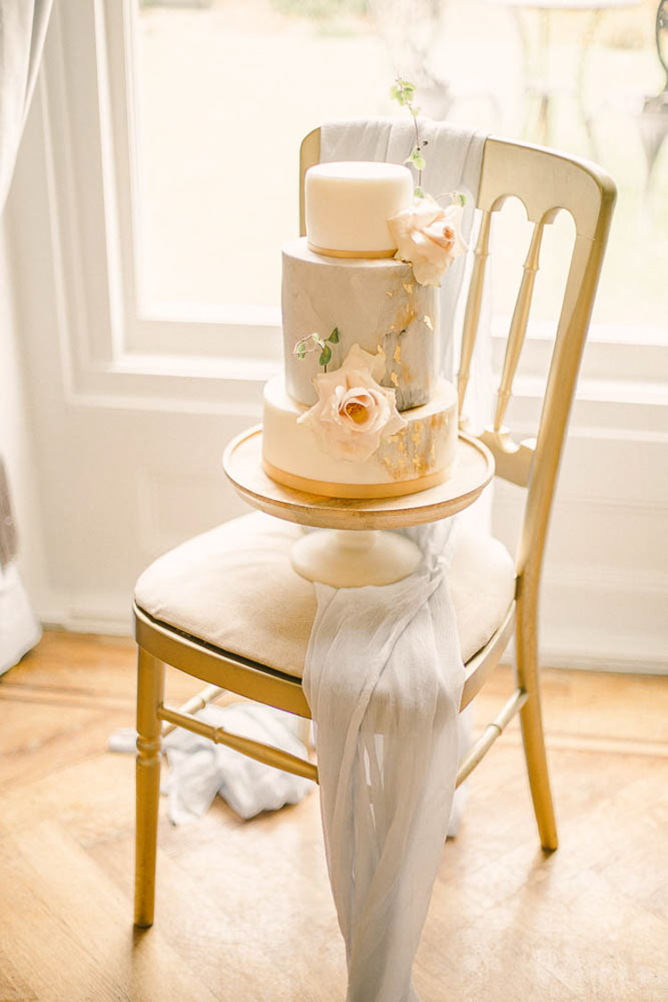 Marble Cake Silk Fabric Beautiful Fine Art Country House Wedding Ideas https://www.theblushingpeony.co.uk/