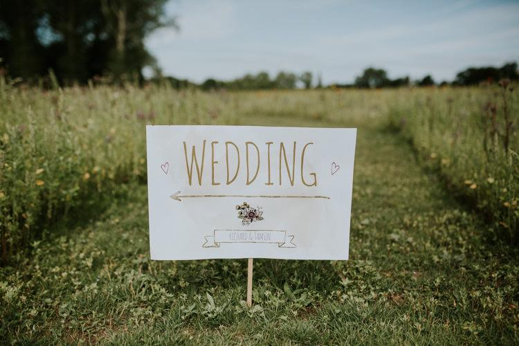 Field Outdoor Garden Hippie Summer Wedding Signs | Happy Outdoor Forest Mustard Yellow Wedding http://suzi-photography.com/