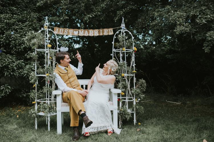 Field Garden Woodland Meadow Hippie Summer Bride Groom Hush Venue Just Married Sign | Happy Outdoor Forest Mustard Yellow Wedding http://suzi-photography.com/