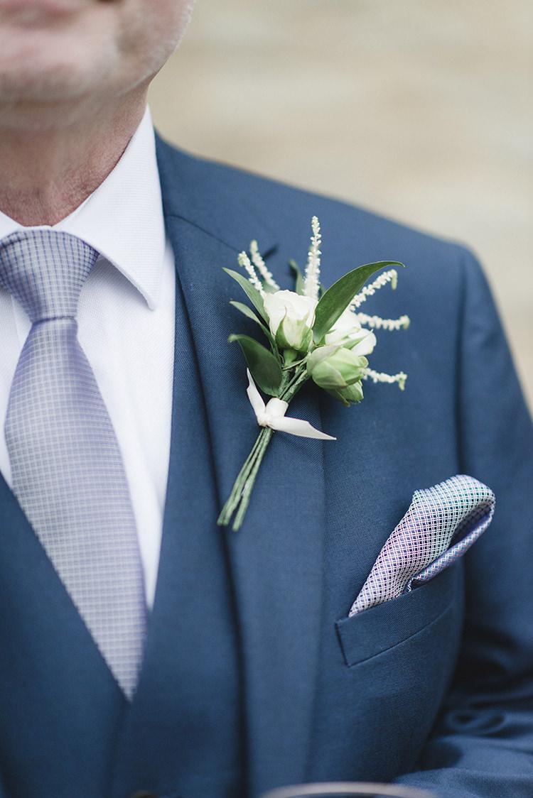 Buttonhole Flowers White Green Darling Fresh Bohemian Barn Wedding https://razia.photography/