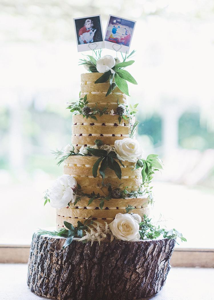 Naked Cake Sponge Layer Tall Log Stand Darling Fresh Bohemian Barn Wedding https://razia.photography/