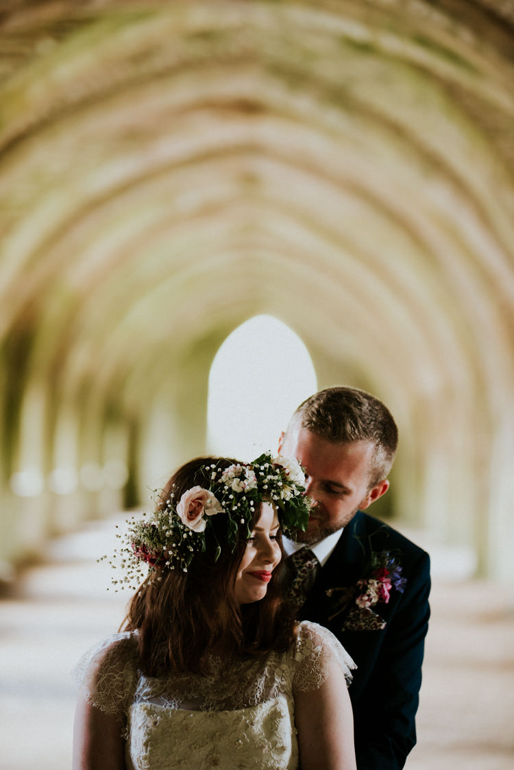 Flower Crown Bride Bridal Tropical DIY Moon Photo Booth Wedding https://photo.shuttergoclick.com/
