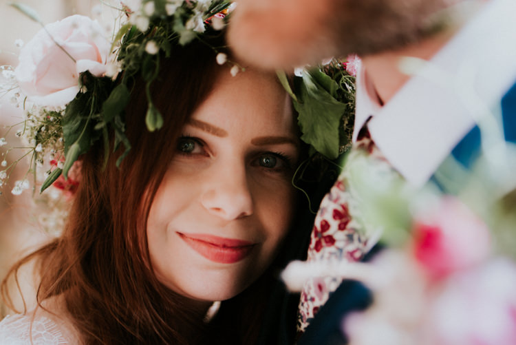 Make Up Bride Bridal Tropical DIY Moon Photo Booth Wedding https://photo.shuttergoclick.com/