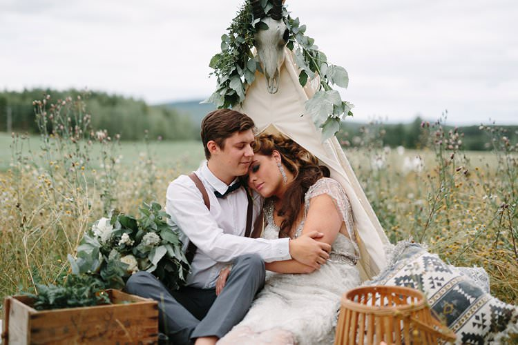 Bride Groom Forest Field Farm Wilderness Outdoor Boho Nature Tipi Antlers Cushion | Bohemian Luxe Greenery White Wedding Ideas Sweden http://www.lindapauline.se/
