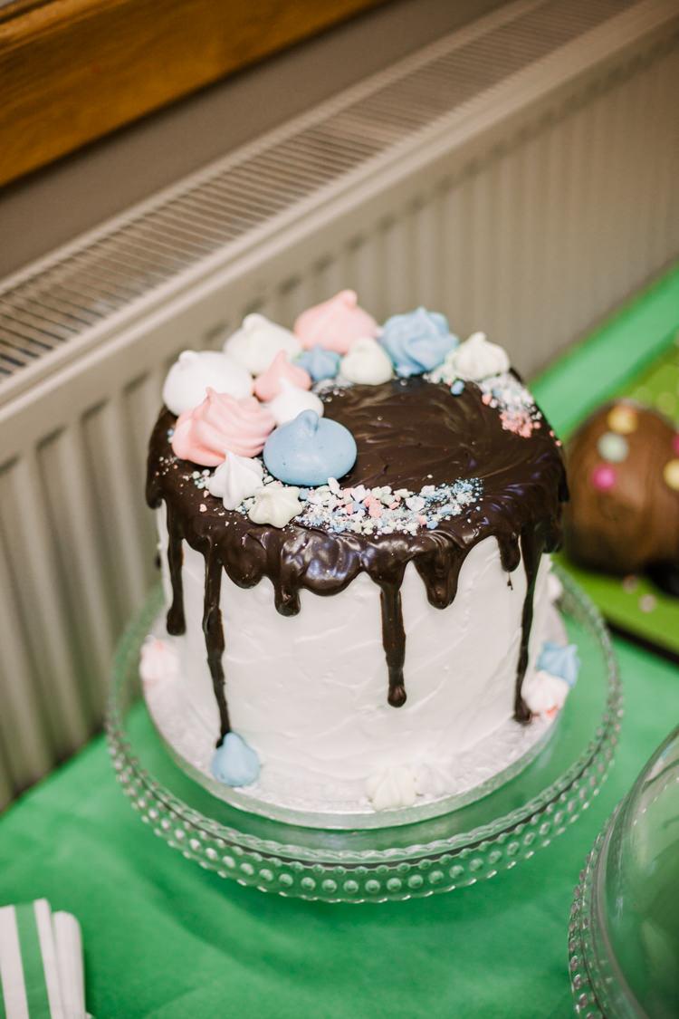 Drip Cake Buttercream Meringue Kiss Fun DIY Wedding New Walk Museum Leicester https://www.daniellefrancescaphotography.com/