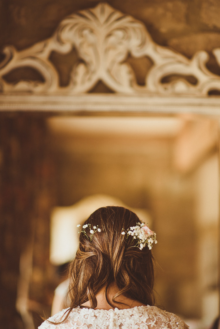 Hair Bride Bridal Flowers Rustic Relaxed Woodsy Alnwick Treehouse Northumberland Wedding http://www.mattpenberthy.com/