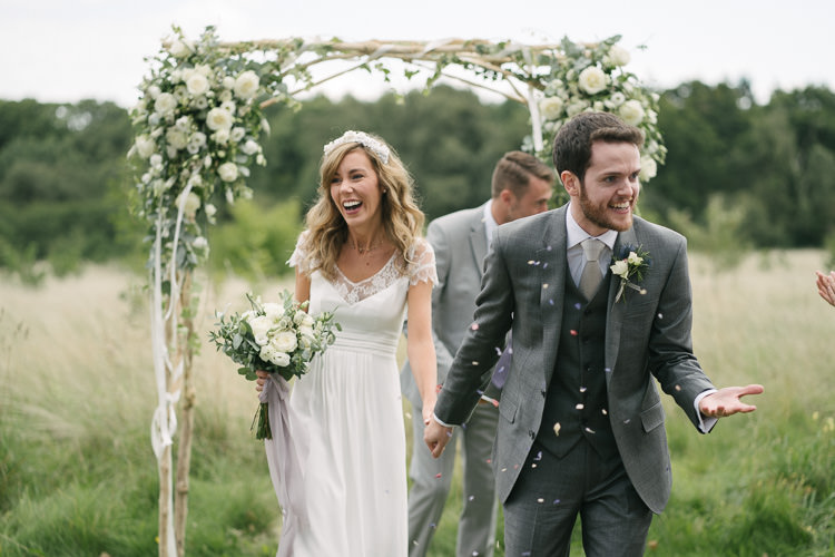 Relaxed Bohemian Summer Meadow Wedding https://karibellamy.com/