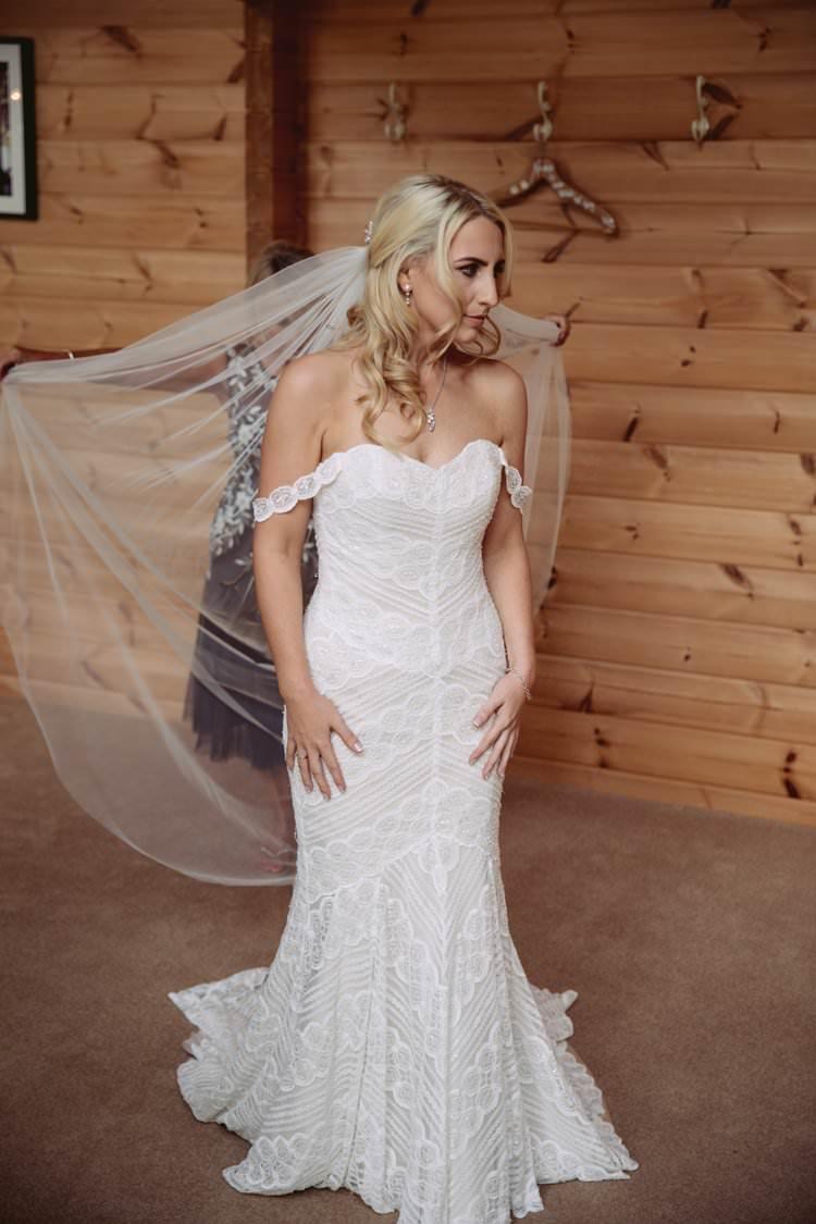 Contemporary Wedding at Styal Lodge Cheshire | Whimsical Wonderland ...
