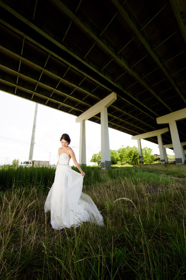 Bride Bridge White Sweetheart Lace Dress | Black Tie Carnival Wedding Hot Air Balloon http://www.makingthemoment.com/