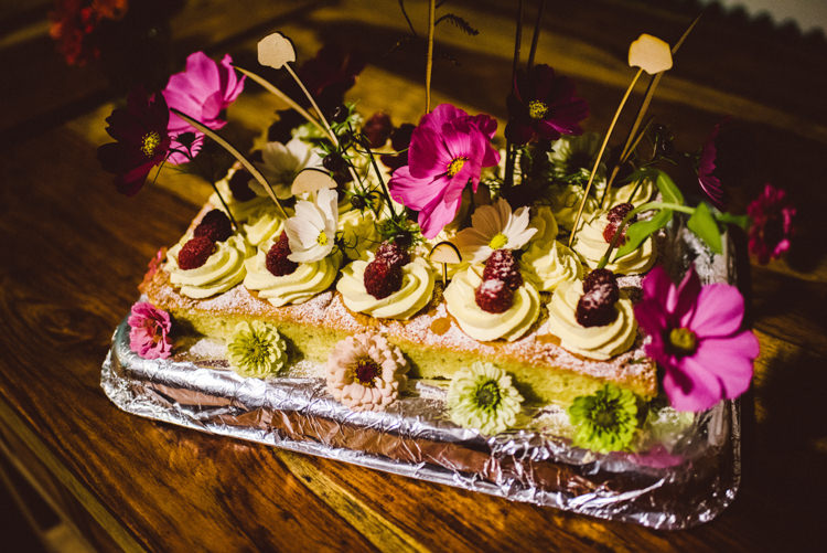 Victoria Sponge Cake Floral Flowers Buttercream Woodland Organic Farm Shop Wedding Gloucestershire https://www.edgodden.co.uk/