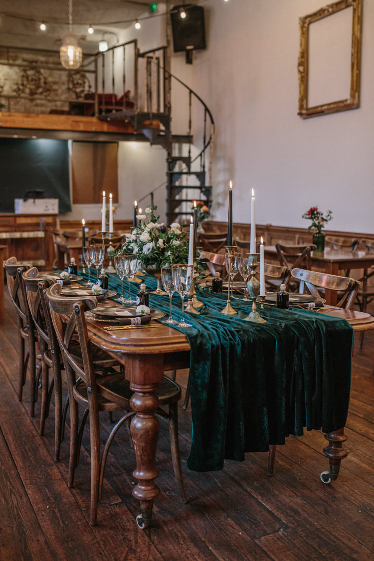 Tablescape Decor Tables Long Candlesticks Gold Green Runners Luxe Industrial Velvet Wedding Ideas https://jessypapasavvaphotography.com/