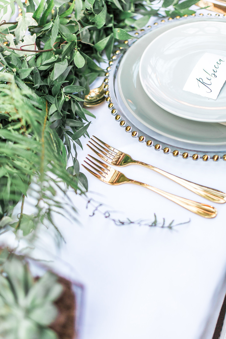 Plates Cargers Gold Green Mint Calligraphy Place Names Gold Cutlery Lush Botanical City Roof Garden Wedding Ideas http://jessicadaviesphotography.co.uk/