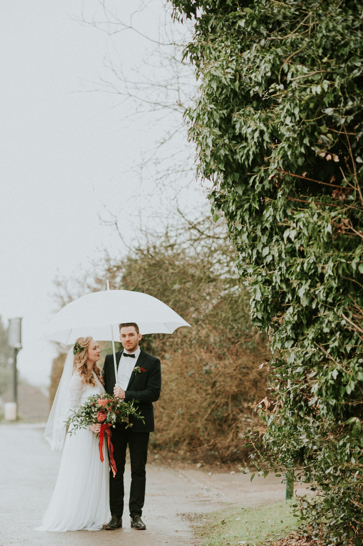 Moody Jewel Tone Velvet Wedding Ideas Sanctum On The Green https://www.hannahmcclunephotography.com/