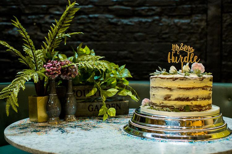 Naked Cake Buttercream Sponge 195 Piccadilly BAFTA London Wedding Matt Parry Photography