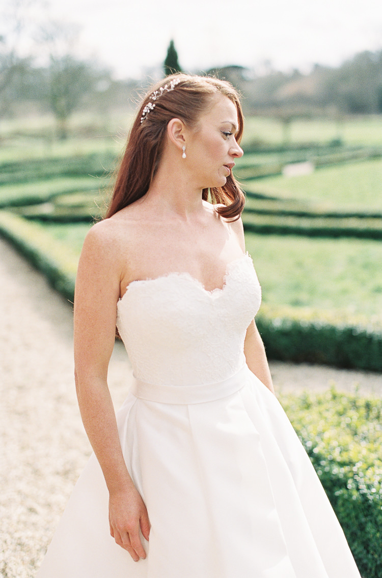 Sassi Holford Dress Gown Bride Bridal Lace Sleeves Strapless Sweetheart Whimsical Summer Chocolat Wedding Ideas Brympton House Liz Baker Fine Art Photography