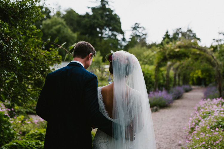 Veil Bride Bridal Hair Flowers Larchfield Estate Wedding Honey and the Moon Photography