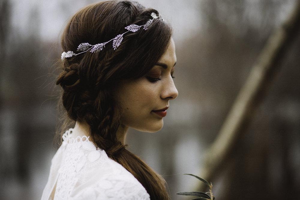 Make Up Hair Bride Bridal Style Beauty Vine Accessory Colourful Boho Festival Wedding Ideas Ella Violet Photography