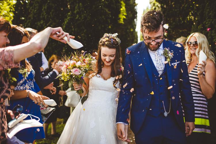 Confetti Throw Rustic Relaxed Farm Wedding Photography34