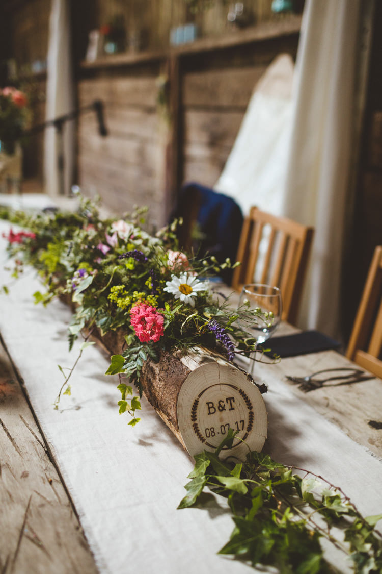 Table Decor Centrepiece Log Personalised Flowers Runner Rustic Relaxed Farm Wedding Photography34