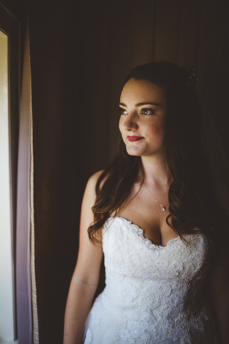 Bride Bridal Hair Make Up Waves Beauty Rustic Relaxed Farm Wedding Photography34