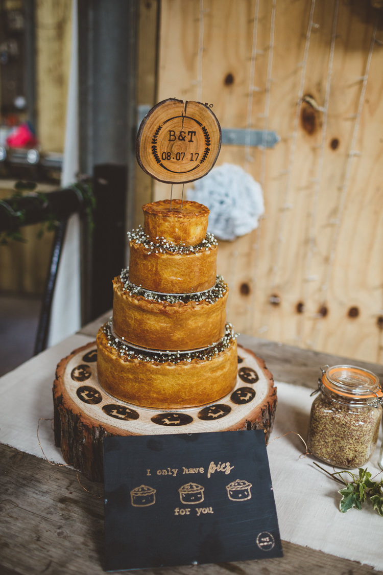 Pork Pie Cake Log Slice Stand Topper Rustic Relaxed Farm Wedding Photography34