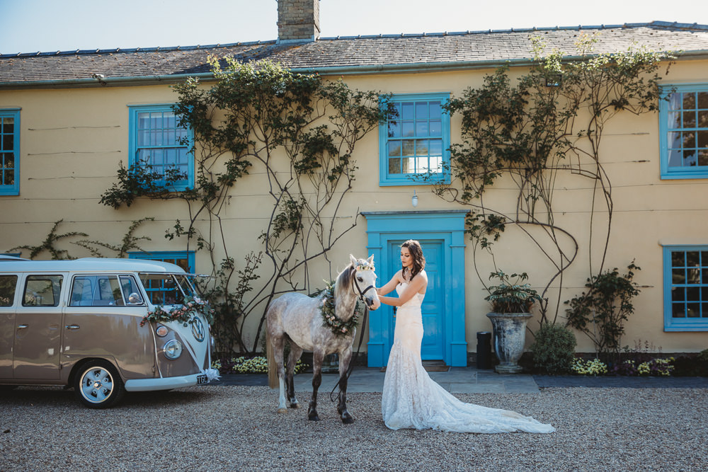 Unicorn Horse Barn Wedding Ideas Thyme Lane Photography