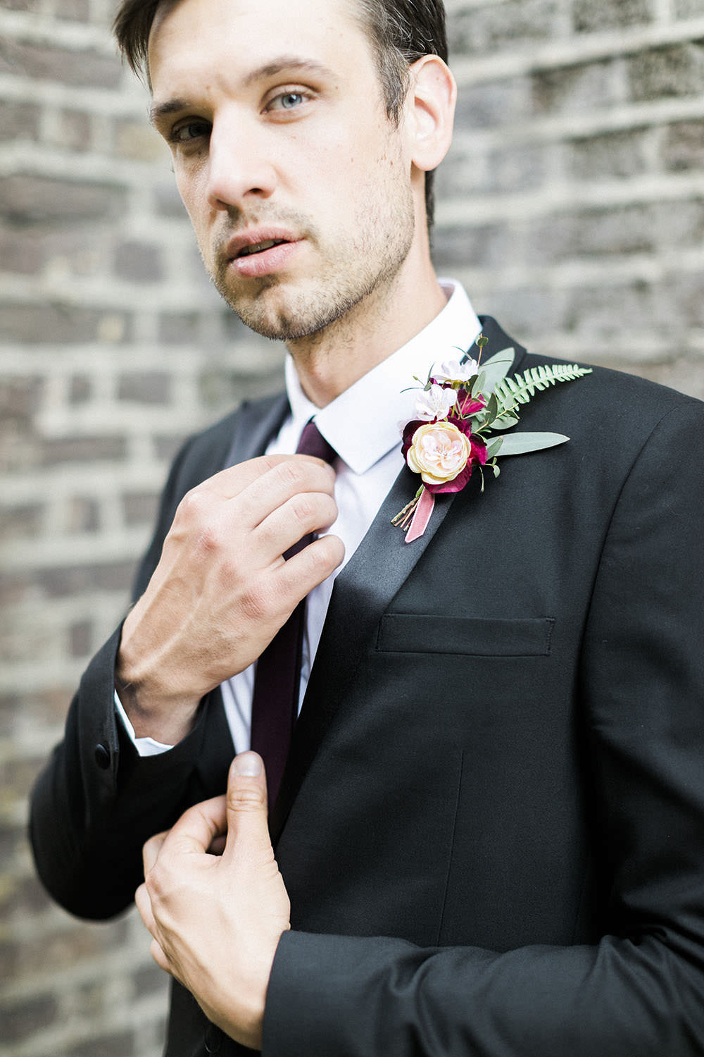 Groom Suit Style Skinny Tie Buttonhole Velvet Ribbon Fern Flowers Burgundy Gold Wedding Ideas Sarah Porter Photography